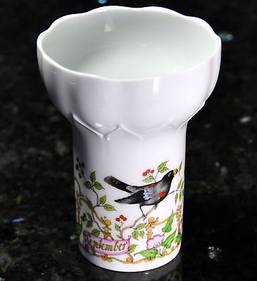 Hutschenreuther Vase of the Month September Amsel by OLE WINTHER MINT