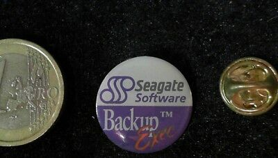 IT Cebit IFA Technology Seagate Backu Exec Software Pin Badge Anstecker