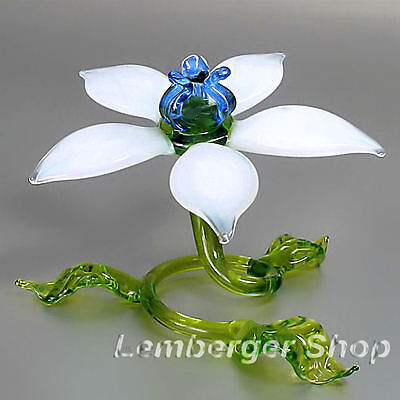 Self-standig flower made of colored glass. Width 11 cm / 4.4 inch!