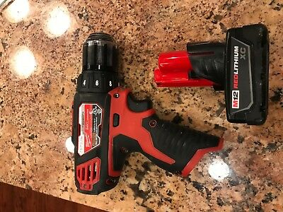 Milwaukee M12 12-Volt Lithium-Ion Cordless 3/8 in Drill/Driver 2407-20 + Battery