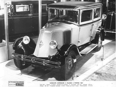 1926 Renault Saloon Four Seat ORIGINAL Factory Photo oua2001