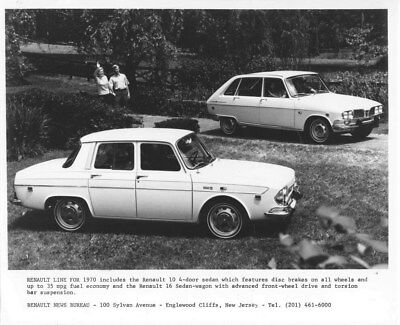 1970 Renault 10 Four Door Sedan & 16 Sedan Wagon ORIGINAL Factory Photo oua2096