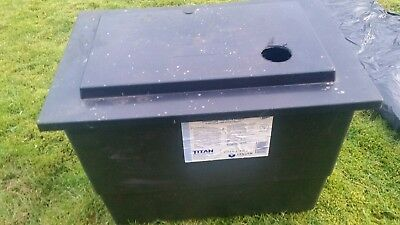 Titan PC4R, polypropylene cold water tank with lid and insulating jacket.