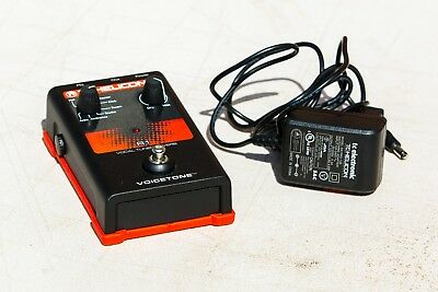 TC Helicon VoiceTone R1 Vocal Tuned Reverb Pedal - LIKE NEW!