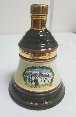 Vintage Collectable Bells Scotch Whisky 1989 Christmas Decanter Wade Breweriana
