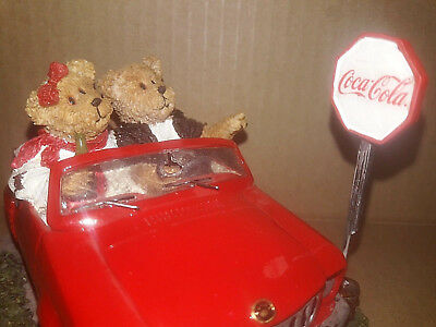 Boyds Bears Coca Cola Resin Figurine Susan & Ronald Red Car Convertible 2007