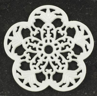 Multipack Offer – a Pair of Cream Heavy Duty Cast Iron Petal Kitchen Trivets