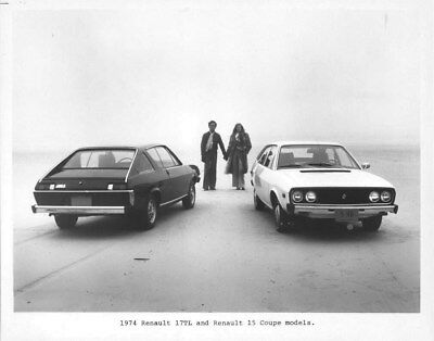 1974 Renault 17 TL & Renault 15 Coupe ORIGINAL Factory Photo oua2172