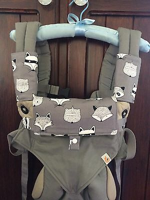 Teething pads bib cover drool pads in grey foxes for Ergo 360 Manduca lillebaby