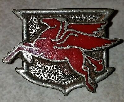 Mobiloil Pegasus Pin or Cap Piece?