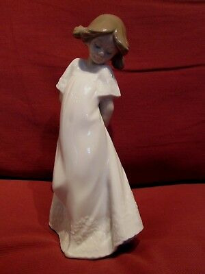 Beautiful Lladro Nao Figurine Entitled So Shy 1109 Very Pretty Young Girl