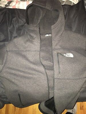 NWT THE NORTH FACE MENS FLEECE JACKET LARGE 100% authentic with hood grey zip