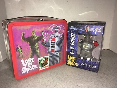 Lost In Space Lunchbox And B9 Robot Vinimates By Diamond Select