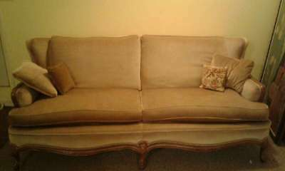 Antique Brown Couch View The Photos For Information