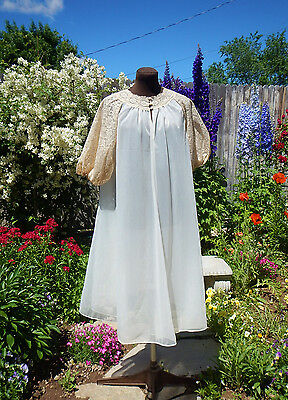 GORGEOUS VTG 1950's VANITY FAIR LARGE SWEEP LACE  DOUBLE CHIFFON  ROBE  32 SMALL