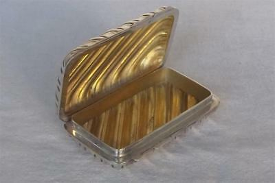 A Stunning Solid Sterling Silver Ribbed Snuff Box By S.j Rose & Son Dates 1972.