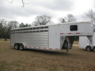 2014 EXISS 31 ft  Horse and stock trailer with rubber suspension
