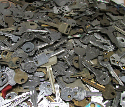 Unsearched Lot of 40 Vintage Brass Car, Padlock, Safe, House, Lock Toyota Volvo