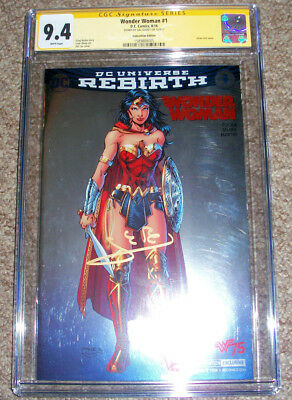 CGC 9.4 Wonder Woman Rebirth 1 Convention Silver Foil signed by GAL GADOT