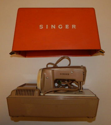 60's Singer Model 50D Sewhandy Electric Child's Sewing Machine + Case R16958