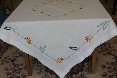 VINTAGE TABLECLOTH LINEN EMBROIDERED 121cm SQUARE #131