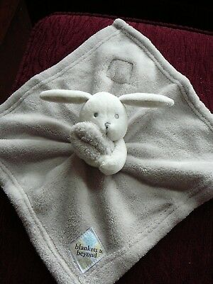 BLANKETS & BEYOND Light Gray & White Bunny Rabbit  Security Blanket Nunu Lovey