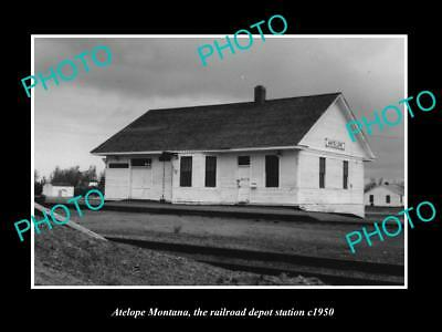 OLD LARGE HISTORIC PHOTO OF ANTELOPE MONTANA, THE RAILROAD DEPOT STATION c1950