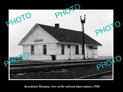 OLD LARGE HISTORIC PHOTO OF BENCHLAND MONTANA, THE RAILROAD DEPOT STATION c1960