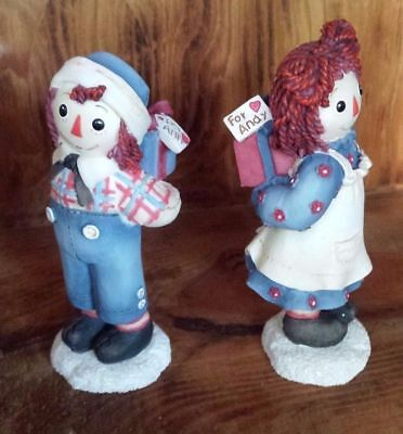 Raggedy Ann & Andy Enesco Figurine / Touch Somebody W A Little Love Today 709085