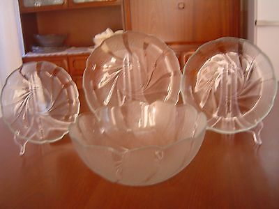 12 pcs ARCOROC FRANCE SWIRL DESIGN SCALLOPED EDGED BOWL & PLATES