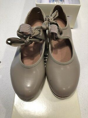 Bloch 'Annie' Tap shoes - Size 11.5. Great used condition! #sundaymarket