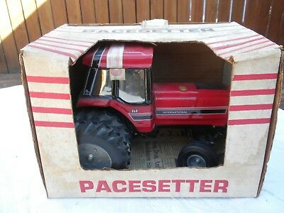 """Pacesetter """"Big-Red"""" International Harvester Tractor Decanter"""