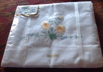 Vintage Irish Linen Embroidered Pillow Cases And Plain bolster