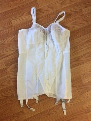Vintage Sears 70's Full body White corset Bullet lace bra / zip up ~ 36B