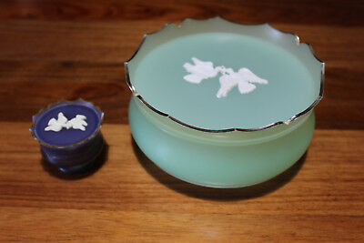 """Collectable Pretty Light Green Avon """" Rapture Beauty Dust """" Bowl.+ Perfume"""