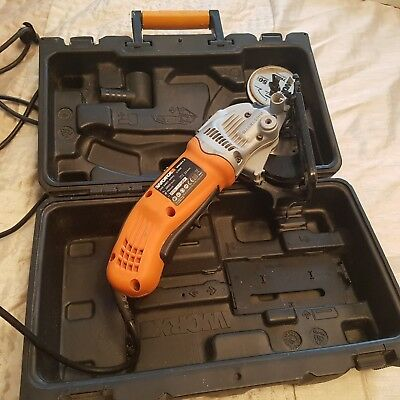 worx wx424.2 hand held saw. 2.4 volt. Spare blades included. Sold in the case