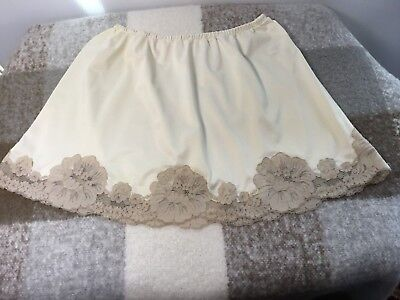 Vintage Van Raalte Mini Half-Slip, Size Small, Perfect