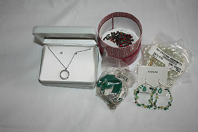 Jewellery Necklaces, Earrings and Brooch Job Lot Wholesale £3 each. RRP £20