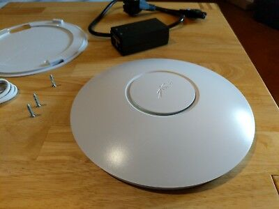 Ubiquiti Unifi AP LONG RANGE SWX-UAP, Access Point mit Power over Ethernet PoE