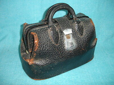 "VINTAGE DOCTOR DR. LEATHER BLACK BAG, about 14"" Long 9"" tall, 7"" wide, no key"
