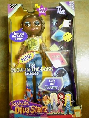 Mattel 2002  Diva Starz  Fashion Doll Tia TALKS w/Glow In The DARK Clothing +++