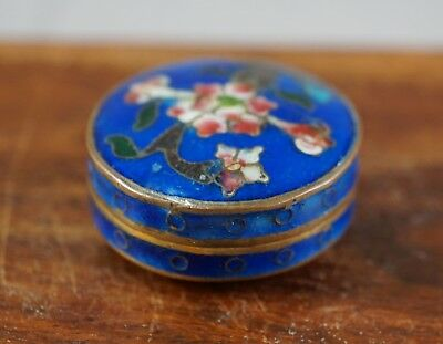 Vintage Chinese Cloisonne Miniature Hinged Round Pill Box Blue Floral Designs