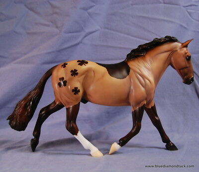 Breyer Paddy  - Shamrock Cleveland Bay Collector Club Web Special - SR