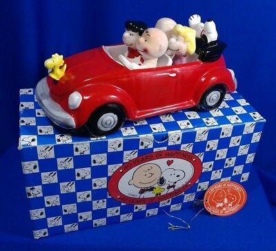 Vtg 40TH ANNIVERSARY WILLITTS PEANUTS KING OF THE ROAD RED VW MUSICAL FIGURE BOX