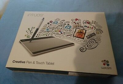 Intuos Creative Pen and Touch Tablet - Medium. Hardly used, in great condition
