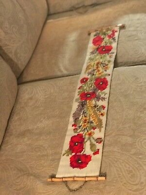 """VINTAGE 3"""" x 7"""" NEEDLEPOINT BELL PULL BRIGHT RED FLORAL DESIGN Wicker HARDWARE"""