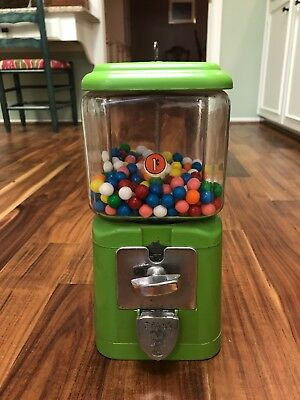 Vintage Bell National 1 Cent Gumball Machine with key. It works!