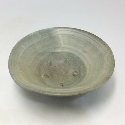 F918: Korean Joseon Dynasty style pottery tea bowl of traditional HAKEME CHAWAN