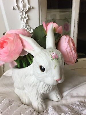 1986 Inarco White Bunny Rabbit Ceramic Planter Flower Bouquet Hp Roses Vintage