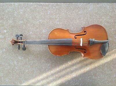 Antique and Vintage Old Violin Full Size With Case and two Bolws.